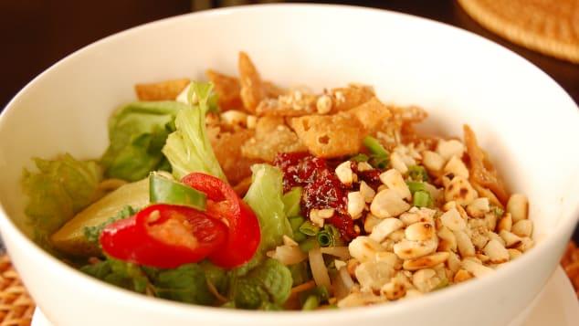 Cao lau - một trong những món ăn phổ biến nhất của người Việt.