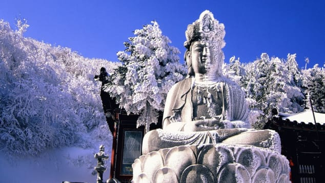 Manggyeongsa Temple is situated on Taebaek mountain, at an altitude of 1,460 meters.