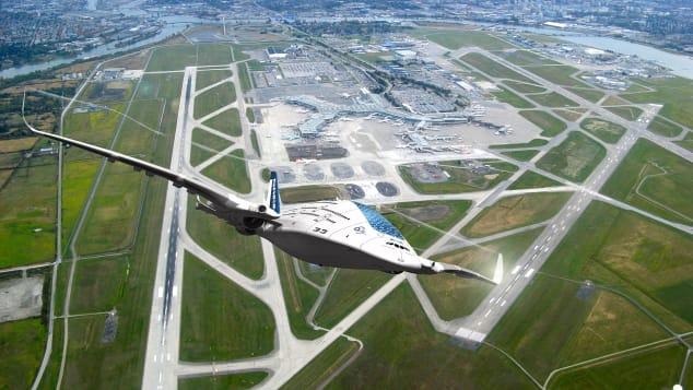 Sky Whale - side take off