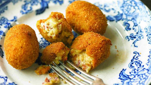 essential spanish dish Croquettes-pizarro