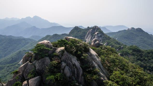 From Baegundae you can see neighboring peak Insubong.