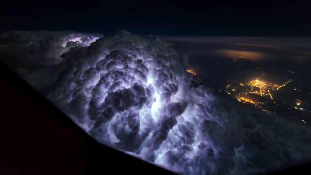 Internal lightning - thunderstorm _CNN