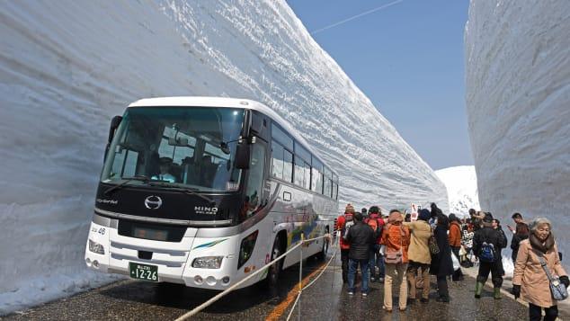 Tateyama Kurobe Alpone Route 立山・雪の大谷ウォーク①(2018.A-2-01)