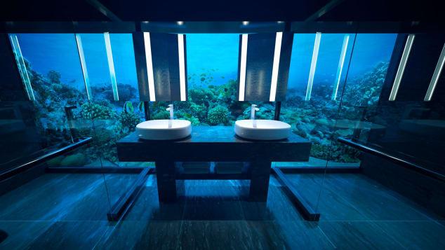 Conrad-Maldives-Rangali-Island-underwater-villa---CMRI_USV_Bathroom