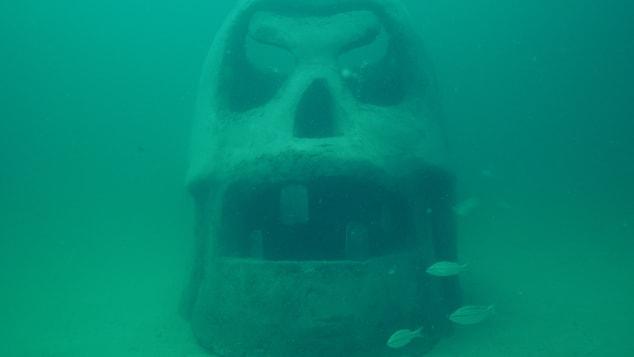 SWARA-Skull_underwater_Vince-Tatum