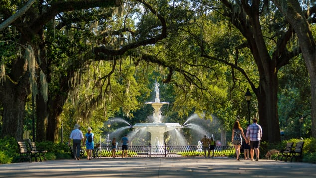 The historic Forsyth Fountain in Savannah is one of many delightful squares in the river city.