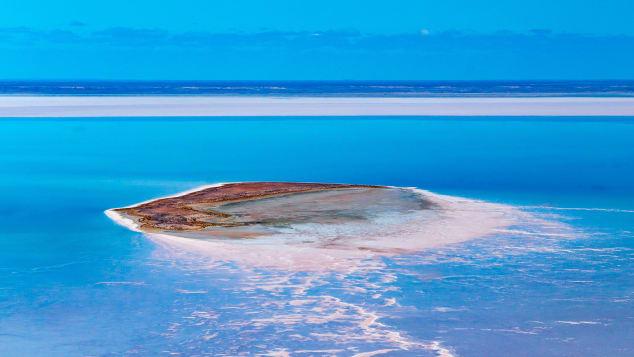 Νησί-ον-Κατί-Θάντα-Λίμνη-Έιρε-ρίγιατσερ (1)