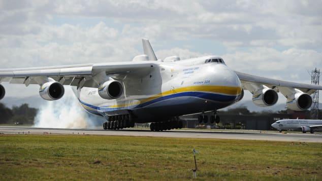 An-225 Antonov leci do Perth