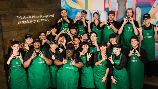 Starbucks открыли первую кофейню для глухонемых 2