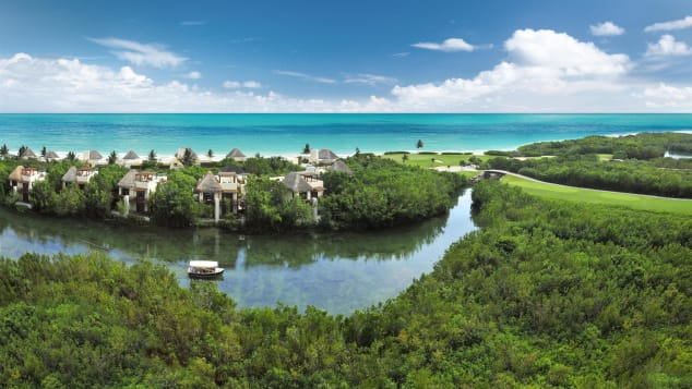 Fairmont Mayakoba is AAA Five Diamond property. It offers 401 guest rooms (including 34 suites).