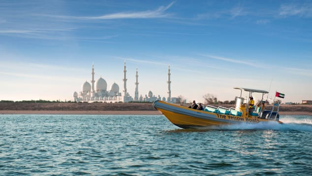 The-Yellow-Boats-Abu-Dhabi-007-Sightseeing-Tour-Grand-Mosque