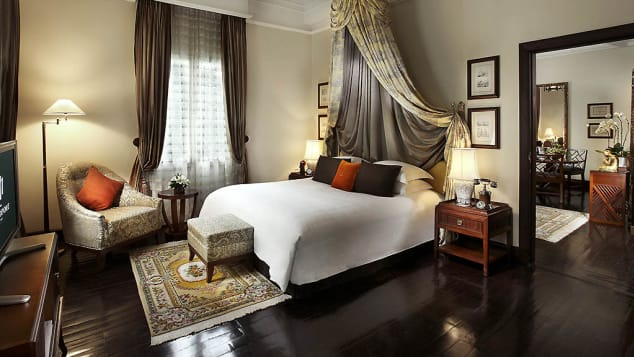 Located on the second floor of the historical Metropole wing, the Graham Greene Suite is decorated in a classical French style.