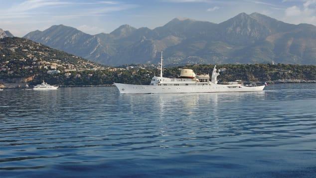 christina-o-yacht-exterior