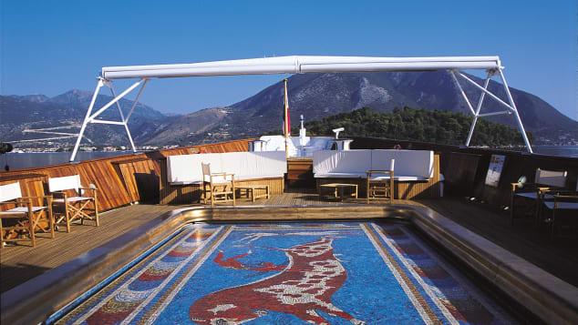 christina-o-yacht-pool