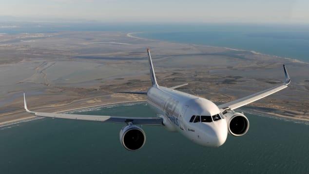 Airbus A320 diluncurkan pada tahun 1984.