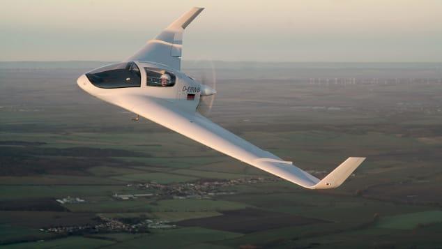 Horten HX-2 Flying - 2