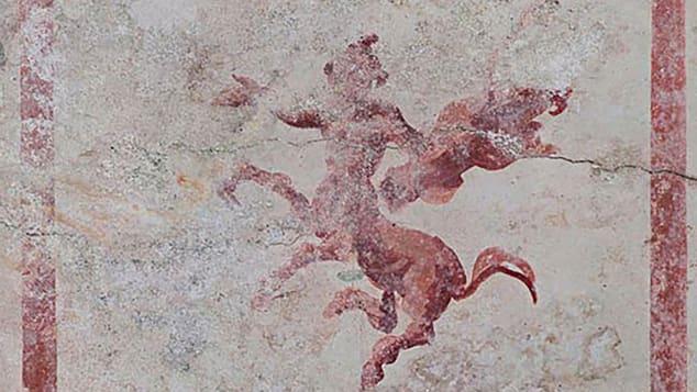 фреска с кентавром
