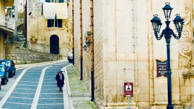 One-euro-home-buyers---Credits-Comune-Mussomeli-Maurizio-Di-Maria