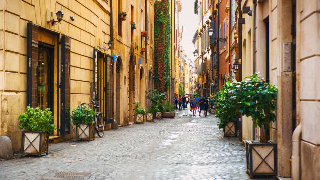 Via dei Coronari is perfect for strolling.