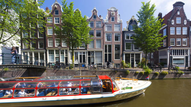 Brouwersgracht offers sensational canal views.