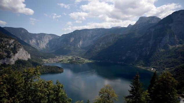 Hallstatt-Austria-(1)