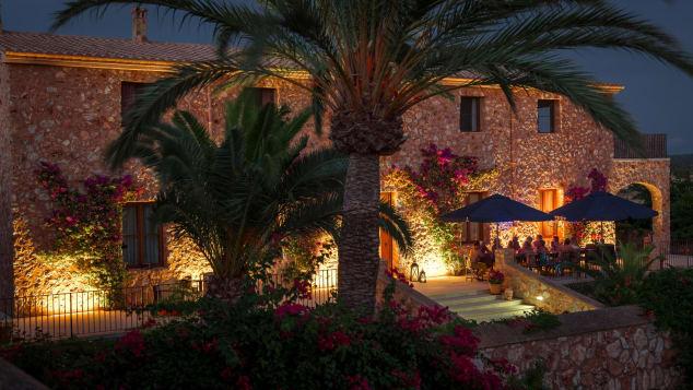 La table à manger commune du Skinny Dippers Mallorca sera hors service cet été.