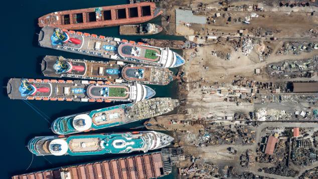 Chris McGrathGetty Images Aliaga Shipyard (3)
