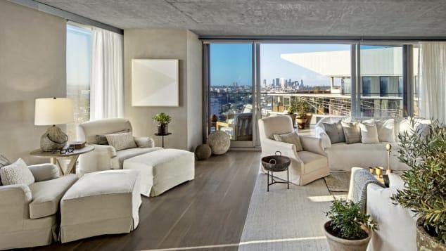 1 West Hollywood memiliki beberapa kamar terbesar dan termewah di seluruh Los Angeles