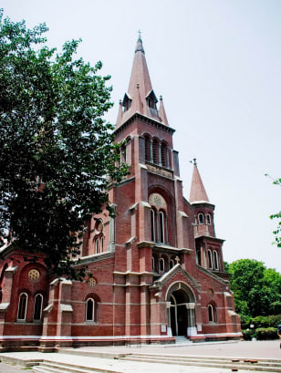 Sacred_Heart_Cathedral,_Lahore
