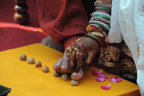 Hindu bride and groom ritual