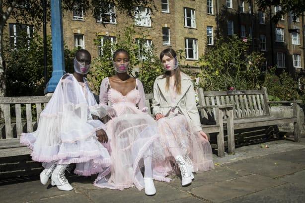 05 Bora Aksu London Fashion Week 2020 DIBATASI