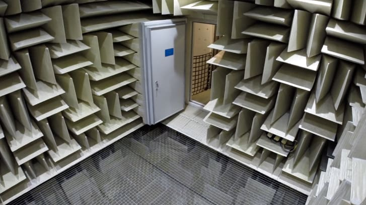 Microsoft_5 Anechoic Chamber 80Hz