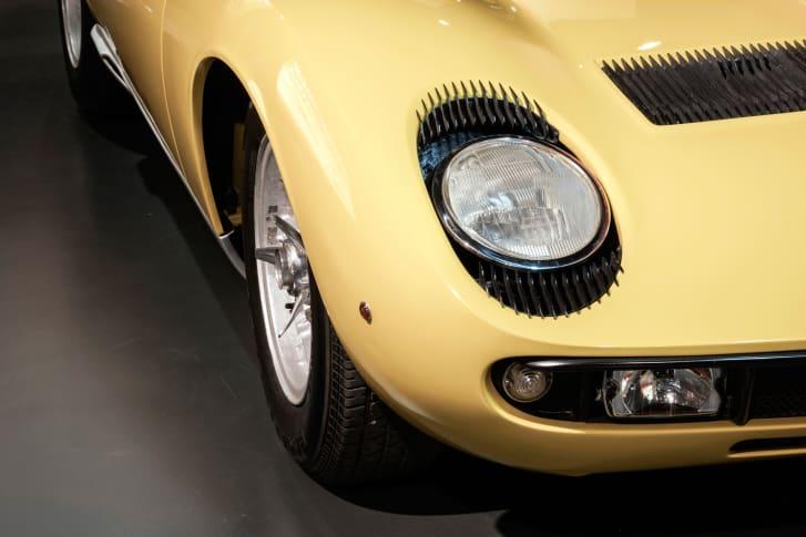 Lamborghini Miura auto-gid.com