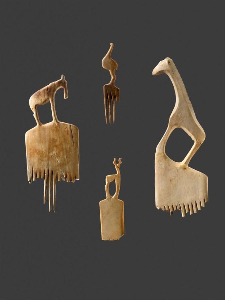 Lược với Động vật khắc, ca.  3900-3500 trước Công nguyên