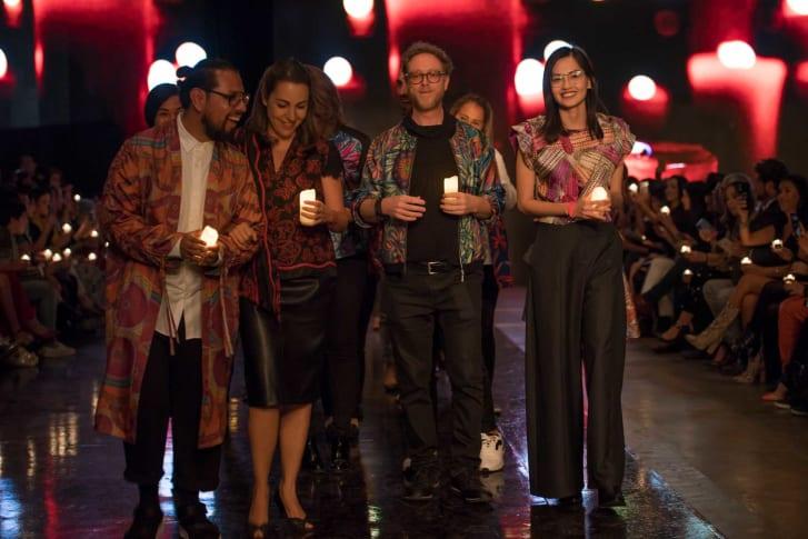La conclusión del show de Pineda Covalin se basó en el ritual azteca Fuego Nuevo. Crédito: Mercedes-Benz Fashion Week Ciudad de México