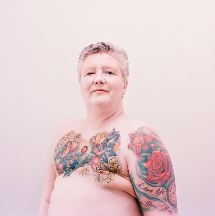 艺术揭示了乳房切除术纹身的美丽