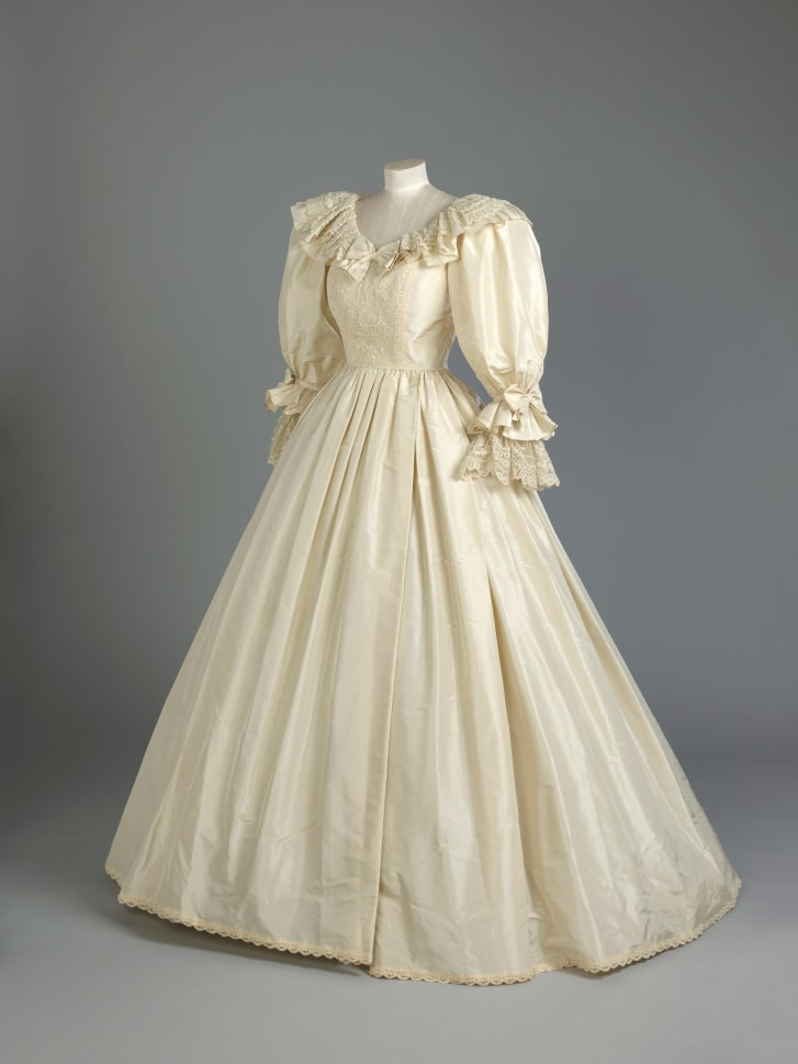 The dress will be displayed from June.
