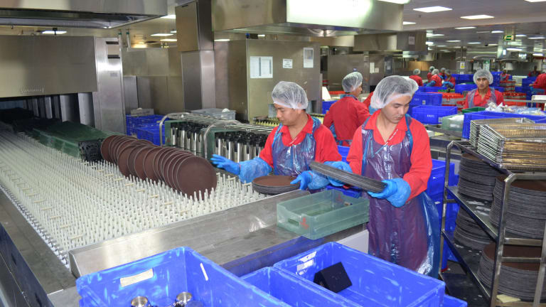 Airline food: Emirates airline dishes out 180,000 meals