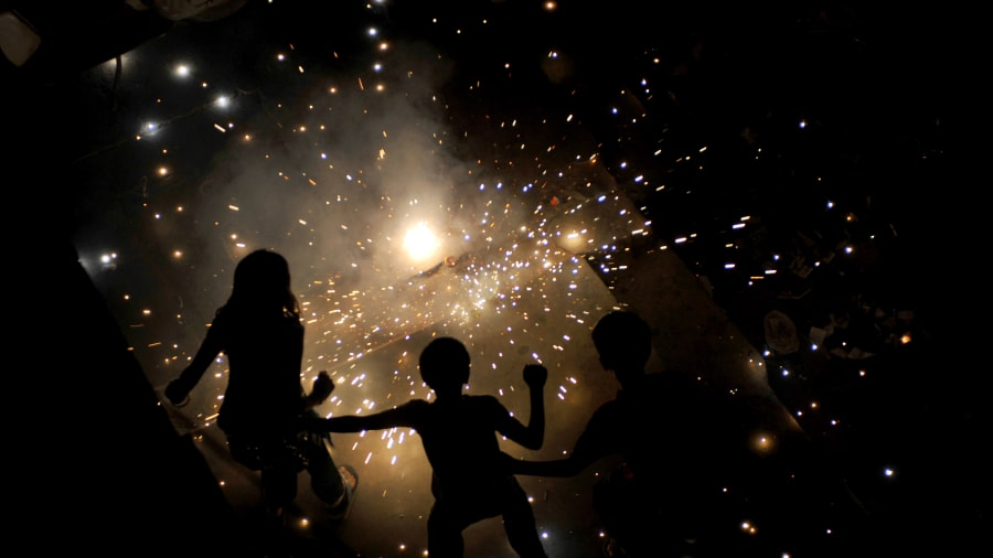 diwali celebrates firecracker kids