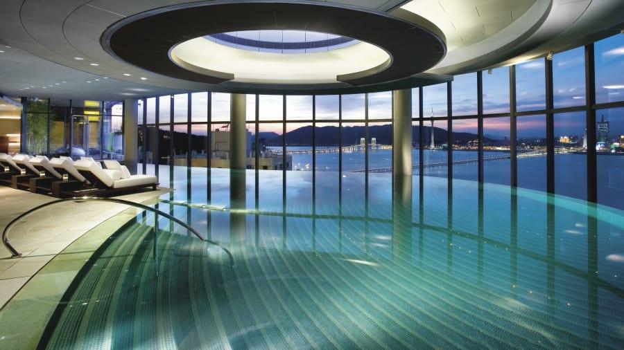Hotel Indoor Pools Altira