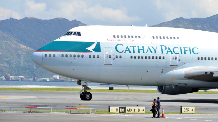 Quiz plane recycle 8 cathay pacific