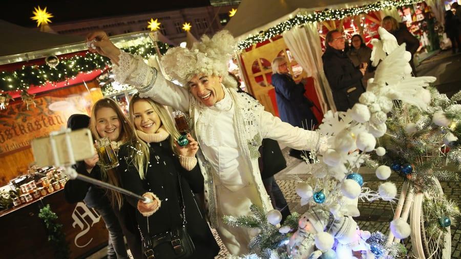 christmas markets gendarmenmarkt berlin 498469434 - Best Christmas Pictures
