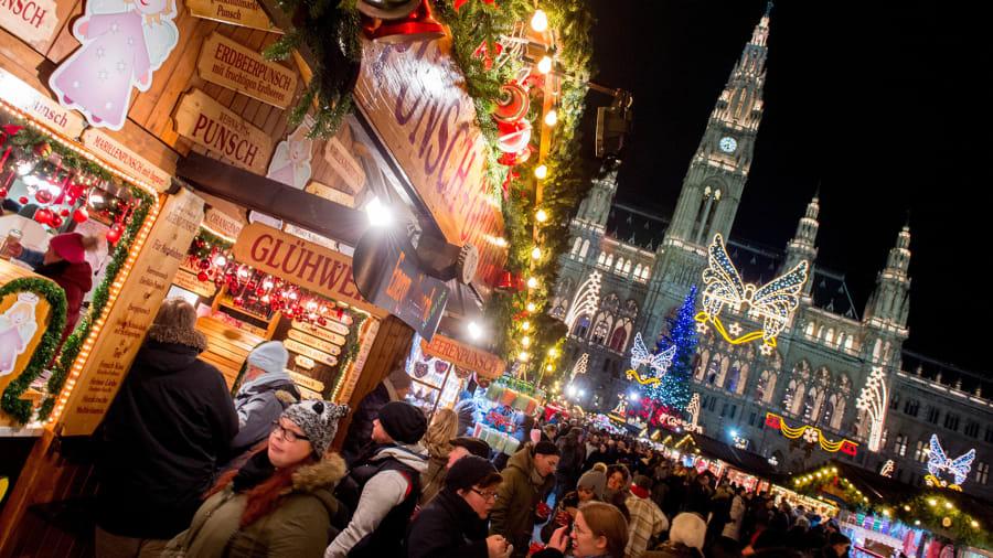 christmas markets vienna 499248872 - Best Christmas Markets