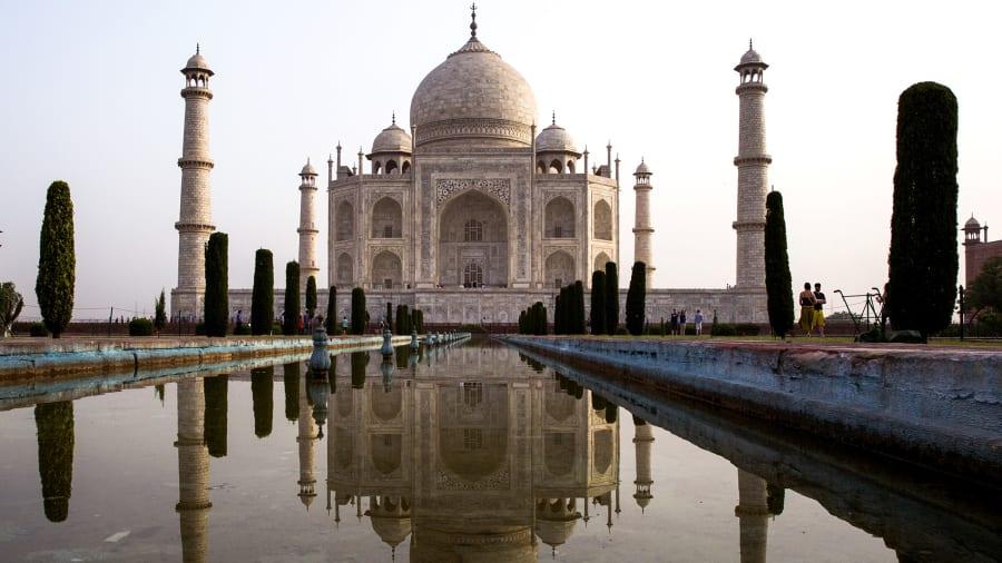 http3a2f2fcdn.cnn_.com2fcnnnext2fdam2fassets2f170117153208-beautiful-india-taj-mahal-169582919