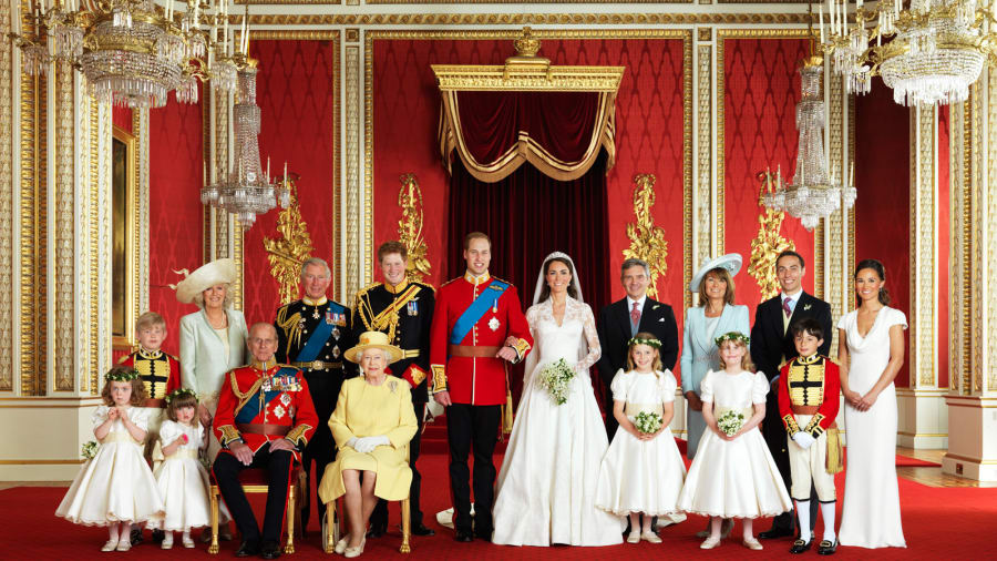 Buckingham Palace Exterior Crowd E Royal Wedding Group In The Throne Room