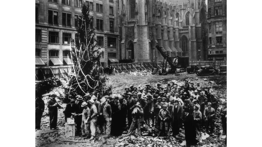 01 rockefeller christmas trees restricted - How Many Lights Are On The Rockefeller Christmas Tree