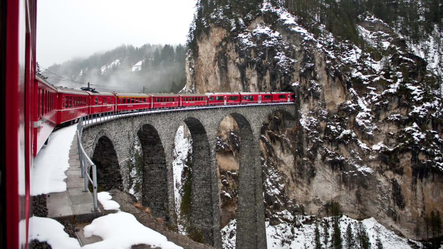 05 happiest countries Switzerland