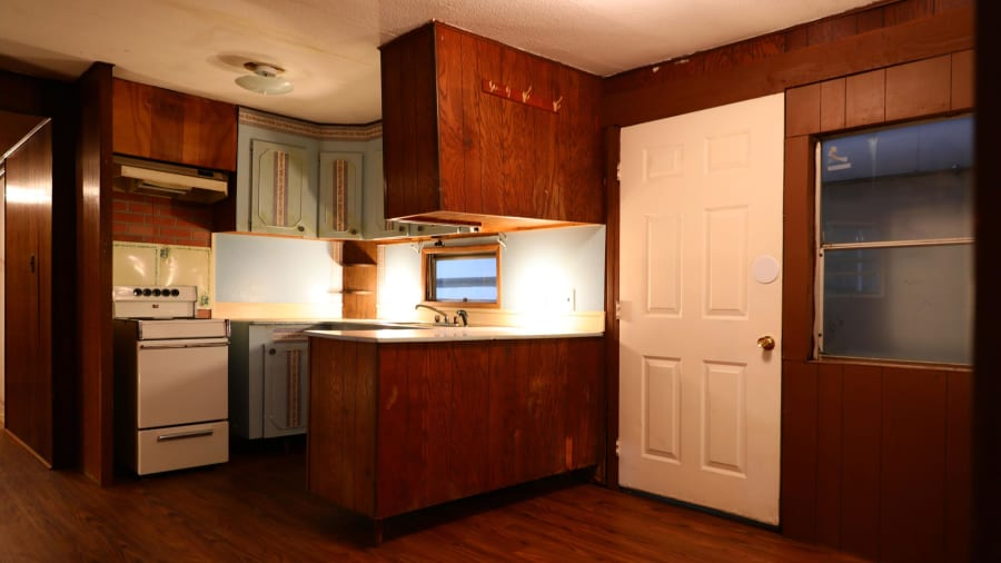 Elvis Presley\'s mobile home up for auction | CNN Travel