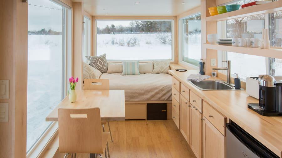 escape rv kitchen bed