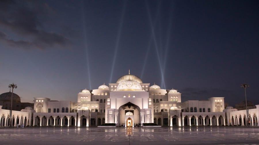 阿布扎比总统府首次向游客敞开大门